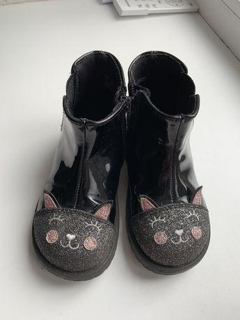 Ботинки для маленької модниці