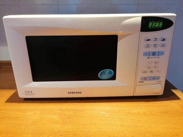 Микроволновка Samsung ce2833nr