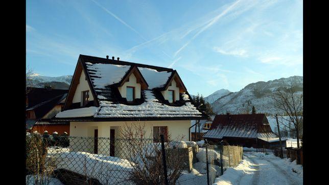 Domek z widokiem na góry