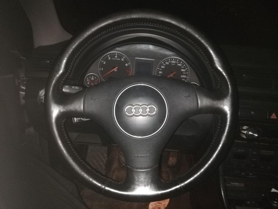 Audi a4b6 bKierownica trójramienna skórzana kpl z air bag OEM stn bdb Policzna - image 1