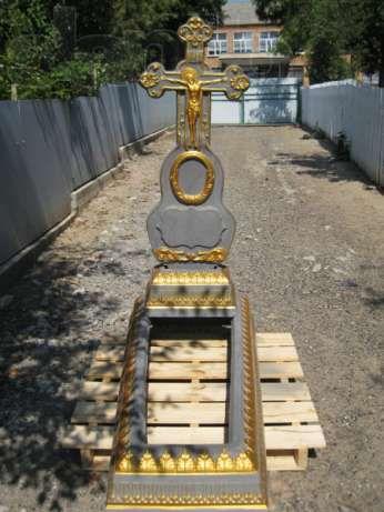 Пам'ятник по 1000, 1500 , 3000 грн. Памятник бетон надгробия квітник
