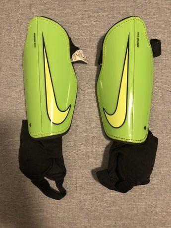 Nagolenniki Nike rozmiar M