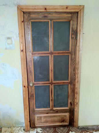 Продам межкомнатные двери в сборе
