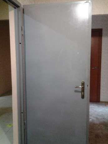 Броне-двери входные металлические. 86 на 204 см. 90 килограмм