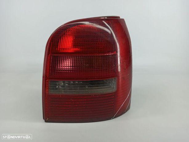 Farolim Drt Painel Direito Audi A4 Avant (8D5, B5)