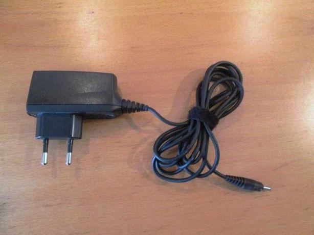 Nokia 6310i. Oryginalna ładowarka ACP-12E.
