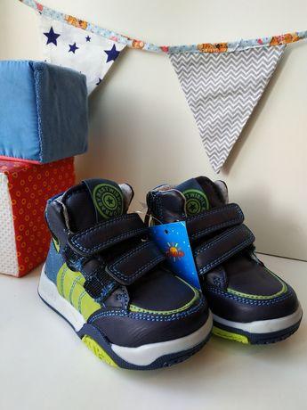 новые ботинки  за 700р 21p