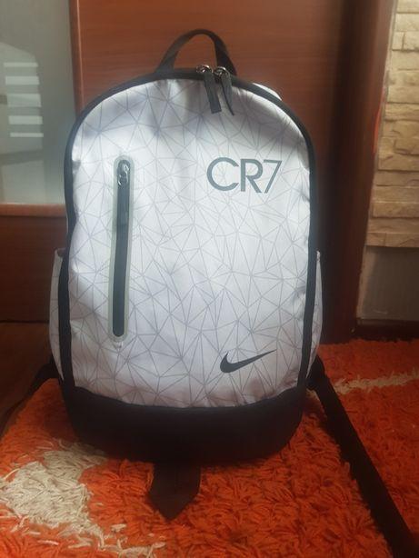 Sprzedam plecak nike cr7