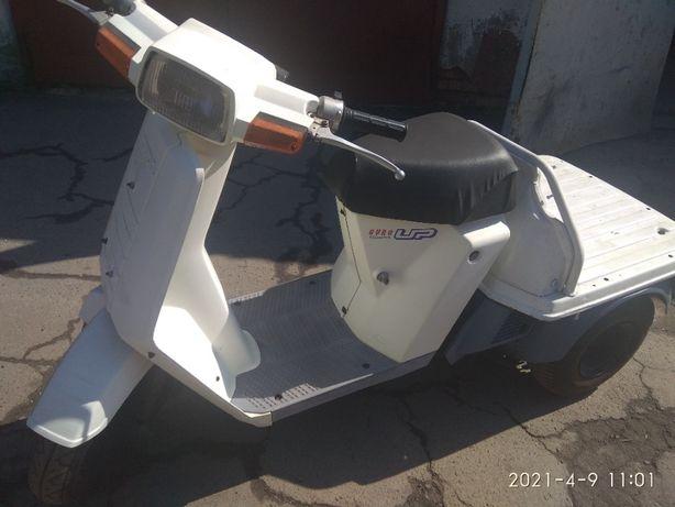 Продам трёхколесный скутер Хонда Дио Гуро 50 куб.