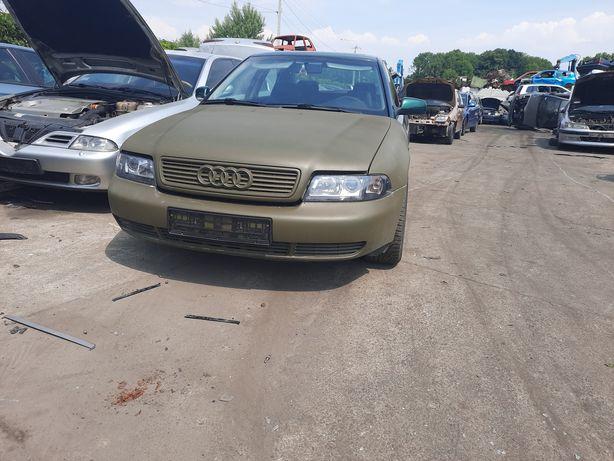 Audi a4 b5 1.6B 1997r alu 17 ładne