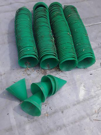 Продам пластмасовие лейки -приемники для смоли