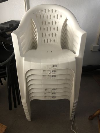 Cadeiras de plástico de jardim