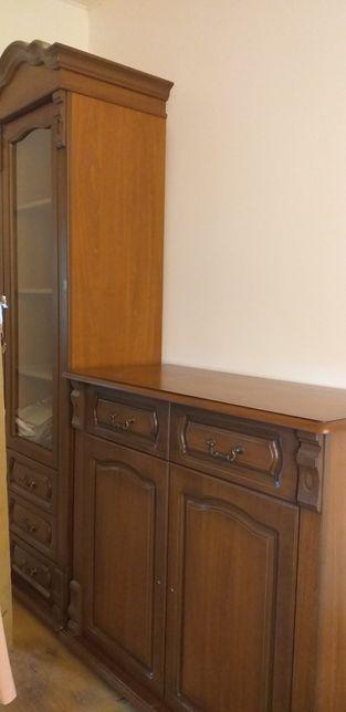 Meble salonowe Carmen firmy Tłok kolor orzech komoda witryna lustro
