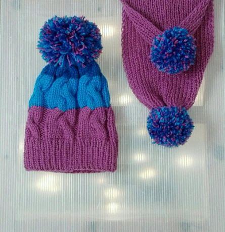Kolorowa czapka i szalik z pomponami, ręcznie robione