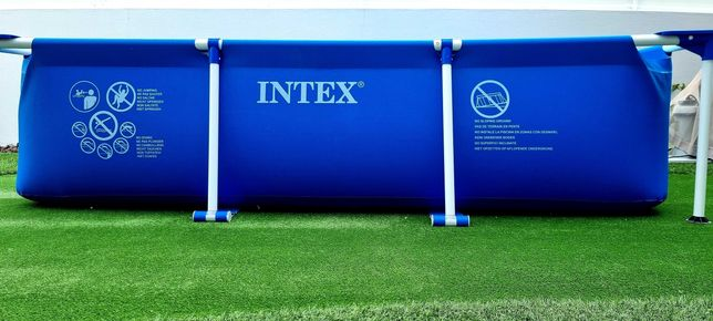 Piscina Intex com filtro e bomba de aquecimento