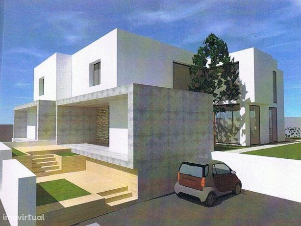 Casas Moradia T4 para Venda na Rinchoa