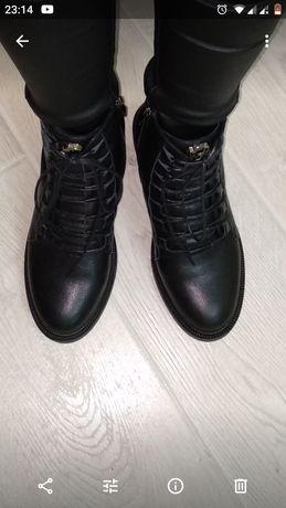 Кожаные ботинки демисезонные в идеальном состоянии-