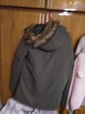 Продам куртку зимову.Розмір М