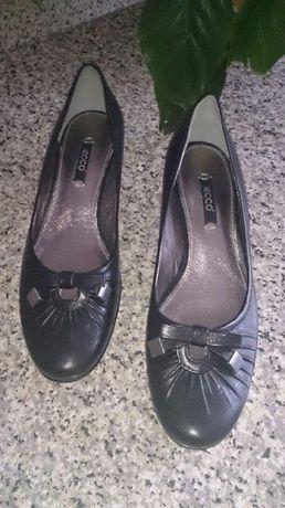 Элегантные комфортные и очень удобные кожаные туфли ecco
