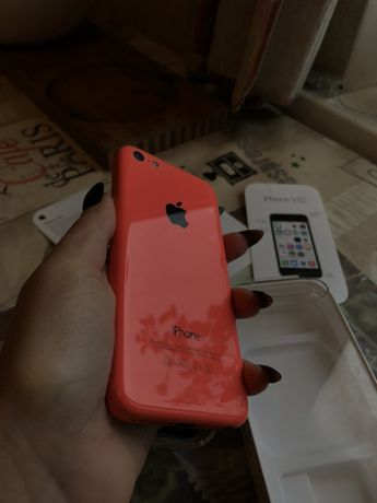 Продам iPhone 5c (32gb)