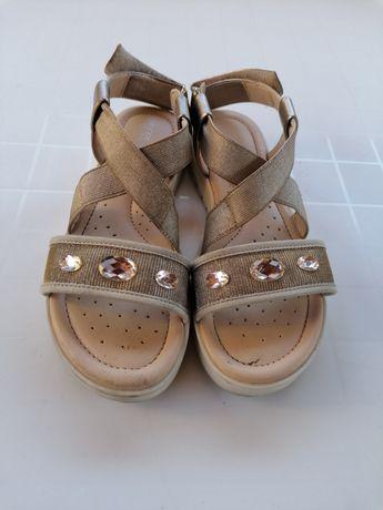 Vendo sandálias menina/senhora Geox