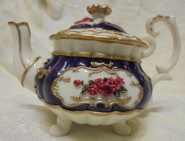 Szkatułka-schowek na biżuty lub klucz w formie dzbanuszka -May Fair