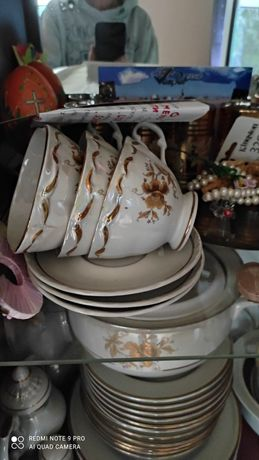 Сервиз чайно-столовый