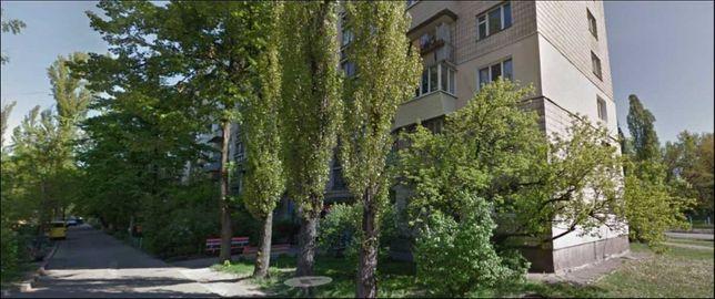 Срочно продам квартиру Деснянский район ул. Маршала Жукова 33