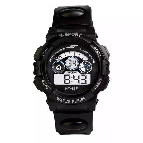 Nowy zegarek, wodoodporny