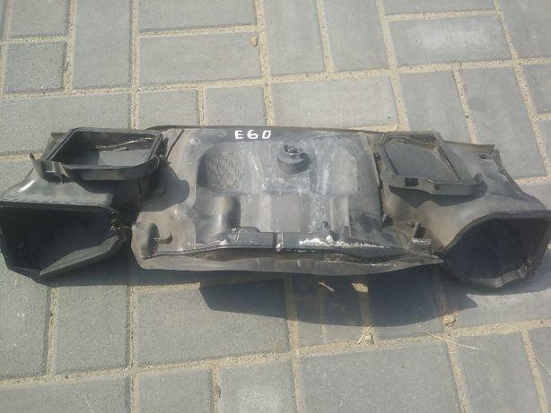 BMW 5 E60 E61 Ściana Grodziowa Osłona Wlot Dolot Kanał Powietrza