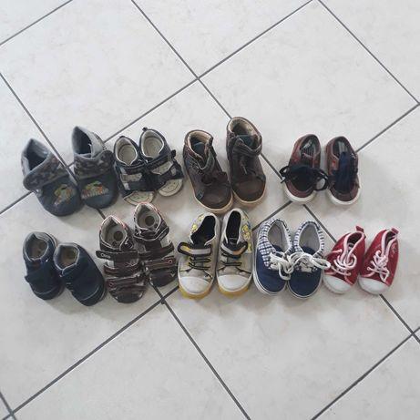 Lote de calçado diverso para criança já usado
