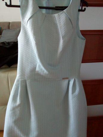 Błękitna sukienka z mieniącą nicią S