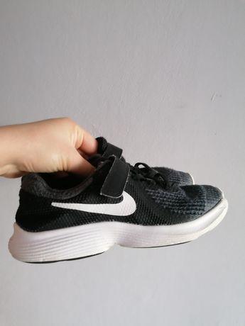 Buty sportowe adidasy nike 33 czarne jak nowe