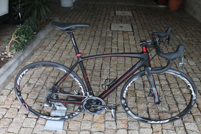 Bicicleta Carbono disco 11V Sram Force_rodas Zipp