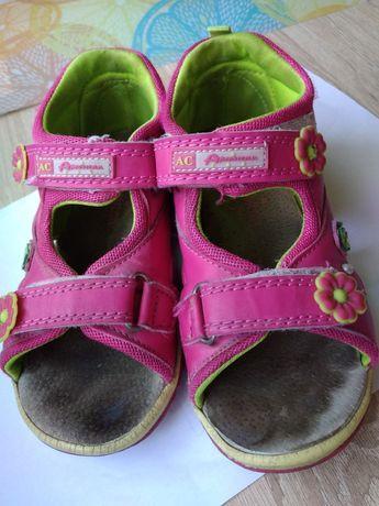 Sandałki dla dziewczynki r 28