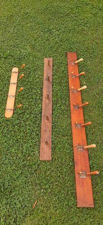 Stare zabytkowe wieszaki drewniane