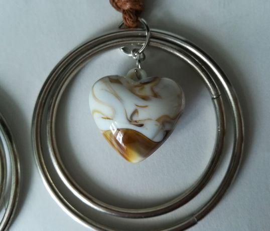 Naszyjnik długi koło z marmurkowym serduszkiem