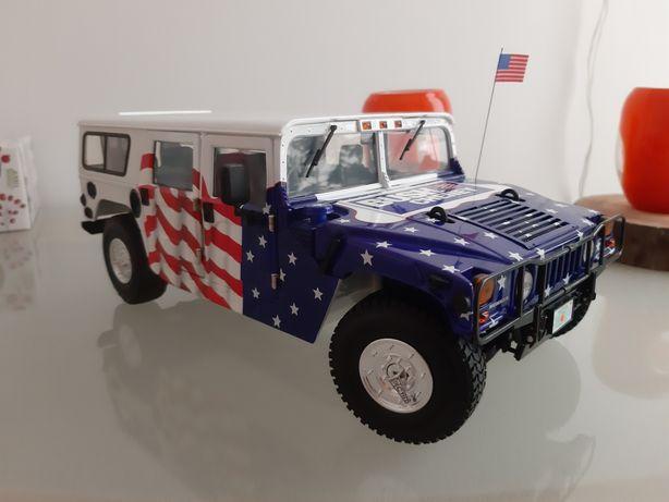 Exoto Hummer H1 1:18 -limitowany na wybory prezydenckie