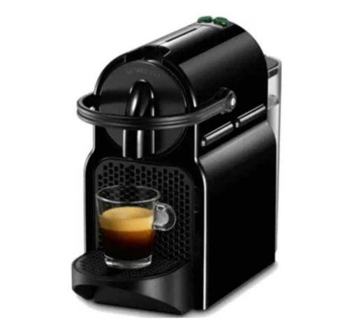 Máquina de Café DELONGHI Nespresso nova selada com garantia!