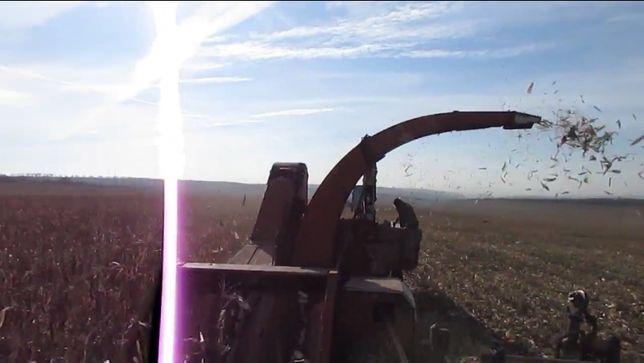 Херсонец-9 ККП-3 Комбайн кукурузоуборочный прицепной