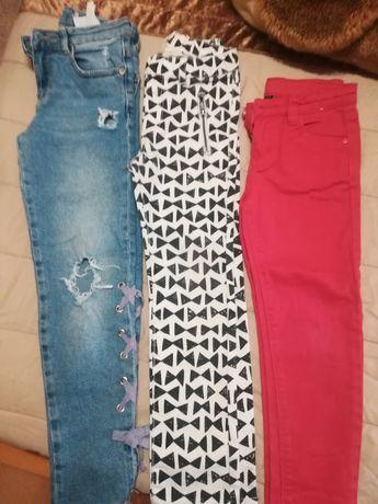 Vários modelos de calças de ganga