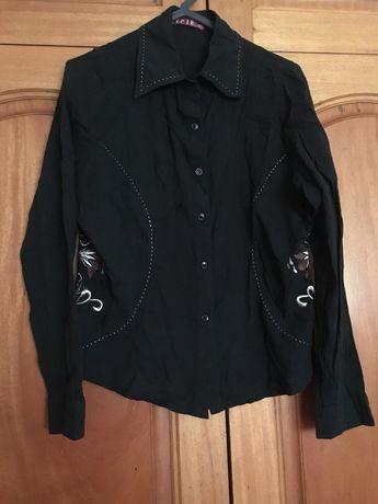 Blusa com bordados tamanho s