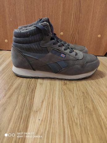 Чоботи черевики осінні ботинки