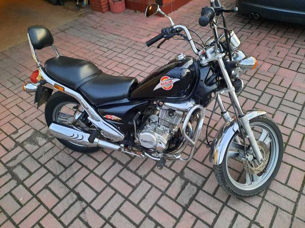 Motocykl Daelim 125