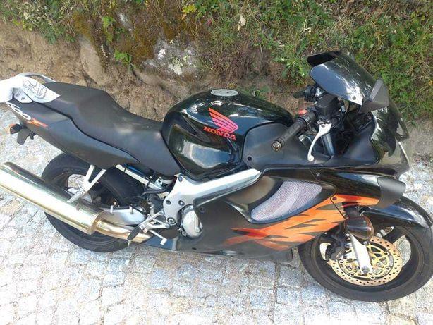 CBR 600 F- Ano 2000