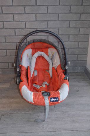 Samochodowy fotelik dla dzieci CHICCO 0-13kg