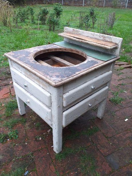 Stara szafka, umywalka