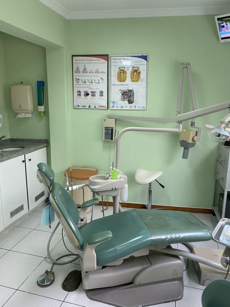 Clínica médica e dentária com análises clínicas