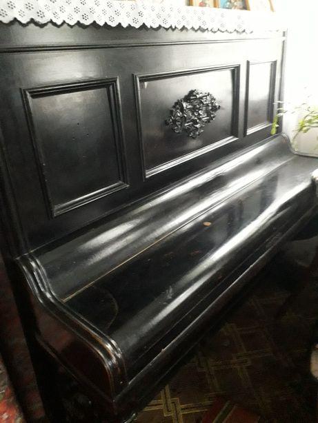 Продам піаніно 1860 рік