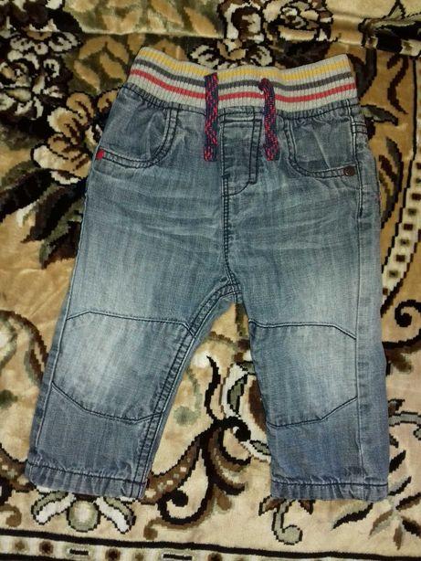 Джинсовые штанишки 9 -12 мес